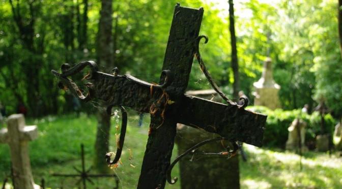 Au cimetière…